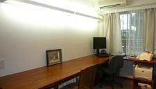 マンションの洋室を書斎に造り替え