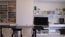 マンションリフォーム:オーダー家具とコルビジェのテーブル